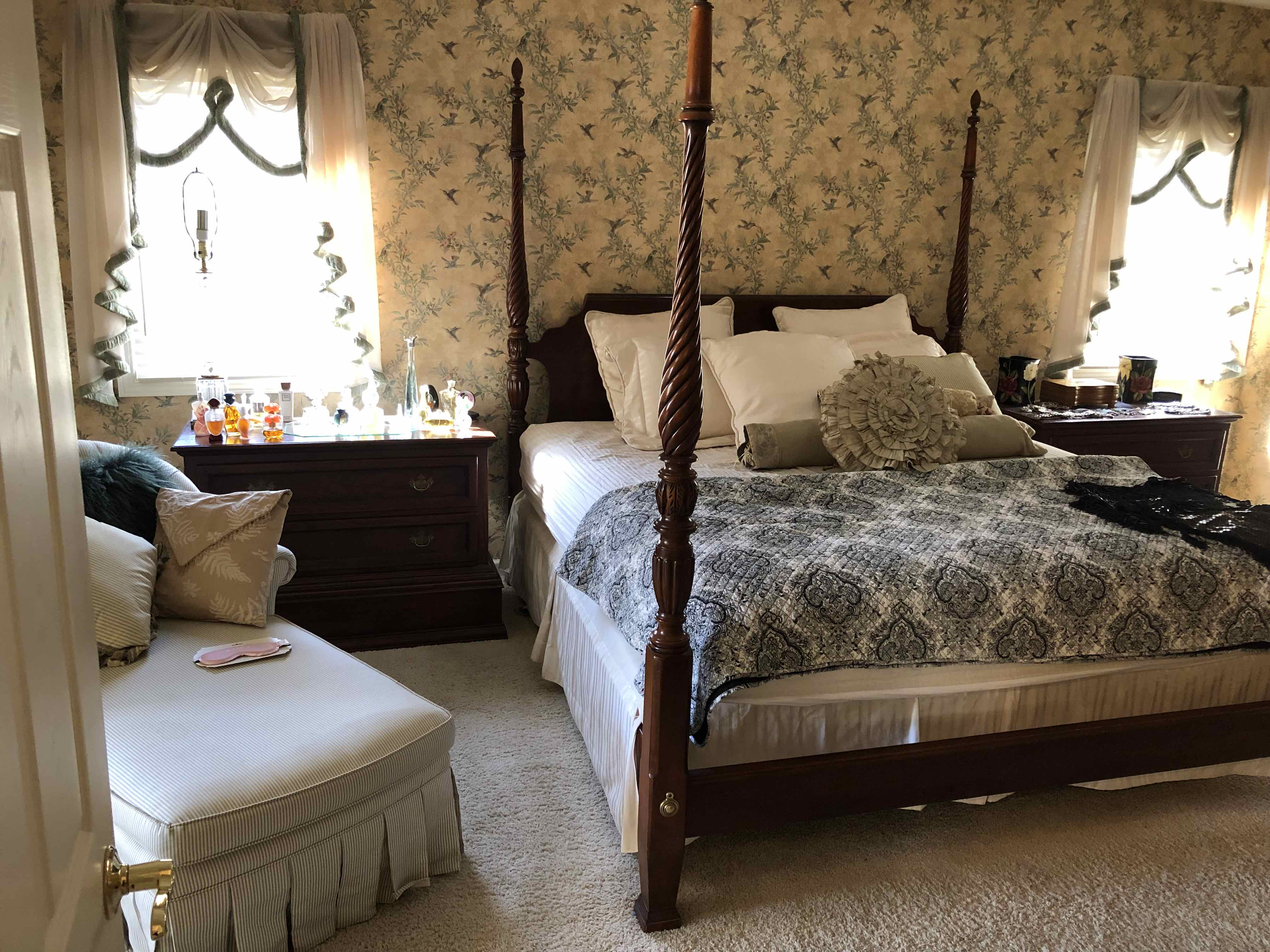 Designer Moving Sale In Chagrin Highlands Solon Ohio L